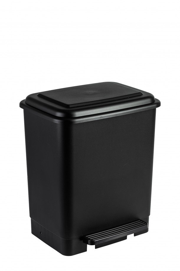 pedal bin with retainer band